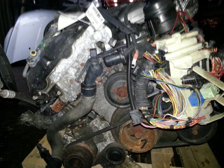 Контрактный двигатель бу 2,5и M54B25 (256S4) 36902589 для БМВ Е46