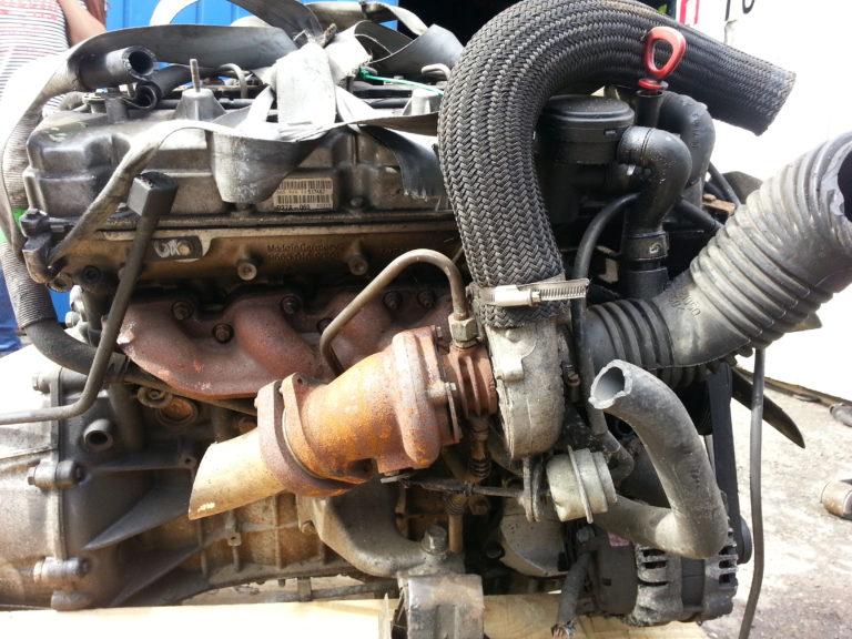 Двигатель 665925 2.7d