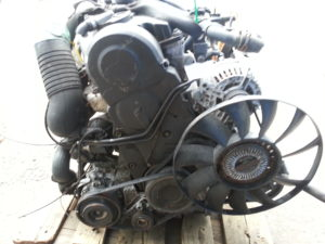 Контрактный двигатель бу Фольксваген Пассат 1,9TDi AWX 049968 (AVF)