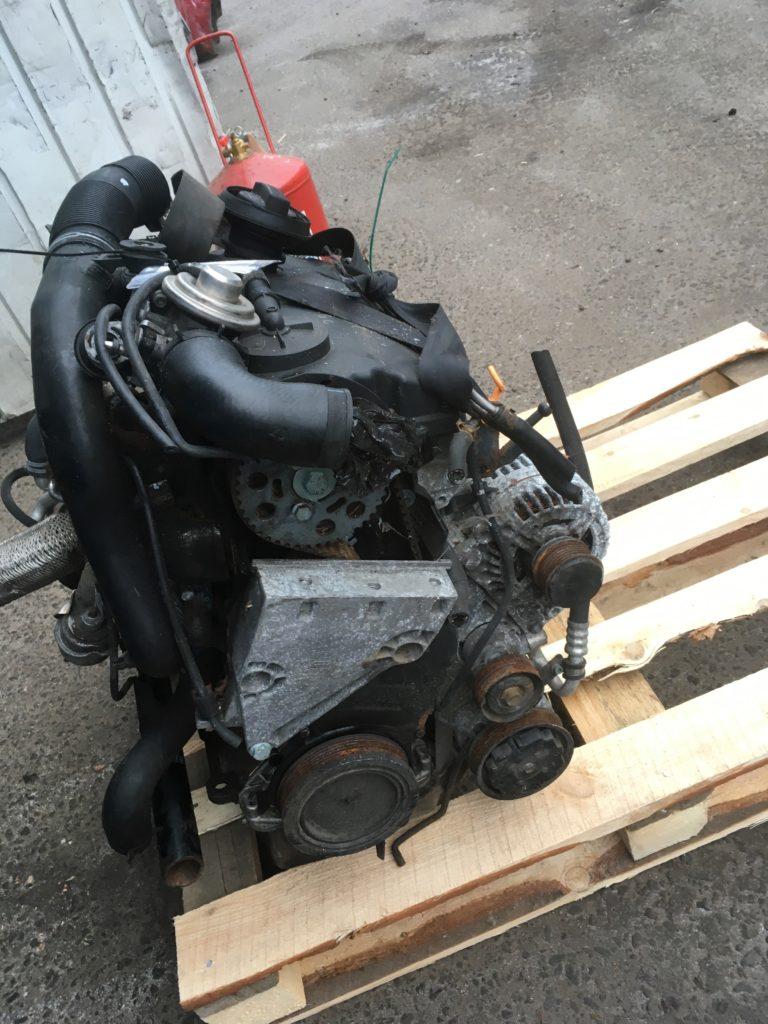 Контрактный двигатель Фольксваген Шаран 1,9TDi AUY 243005