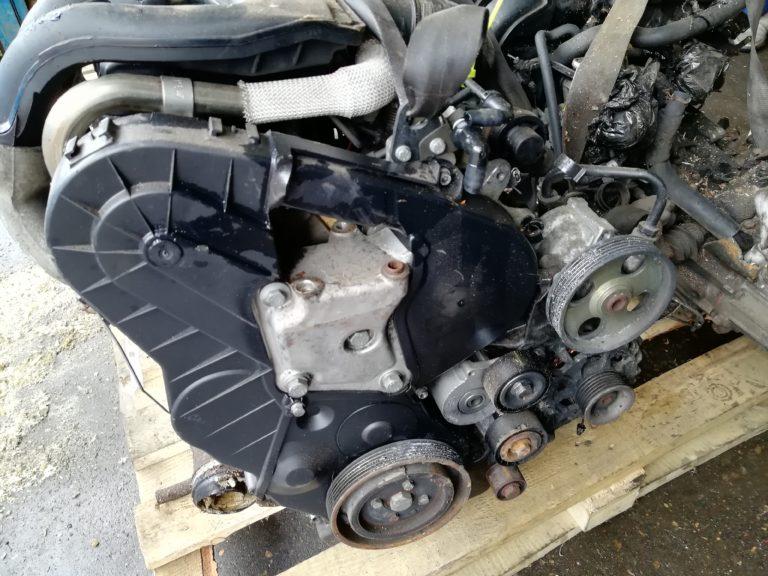 Контрактный двигатель Ситроен 1.9д WJY/DW8B DXBQ4040967 Берлинго