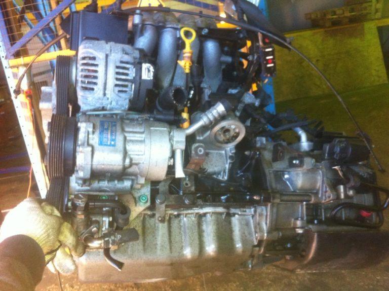 Двигатель контрактный Фольксваген 2.0i AQY 323323 8кл. для Гольф, Битл, Бора