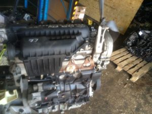 Двигатель F4R 2.0i